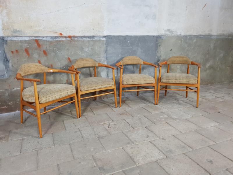Houten Stoel Vintage.Vintage Houten Stoelen Deens Design Stoelen En Banken Pakhuis