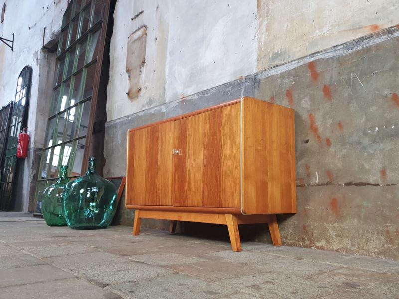 Jaren '60 Fineer Lowboard | Zwart Glas
