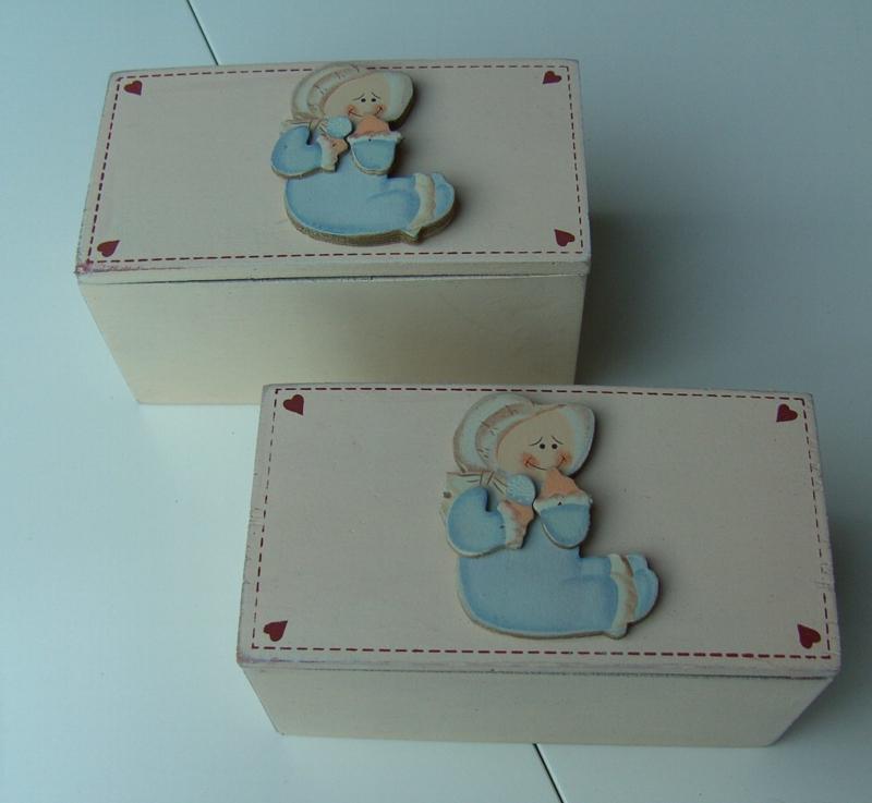 OUD KISTJE BABY JEWELRY BOX 15 CM