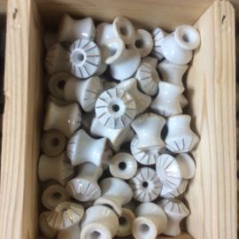 Porceleinen knopje ribbel klein