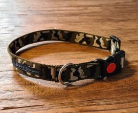 Halsband 25mm groen legerprint maat M met RVS ring