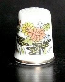 Vingerhoedje bloemdecor porselein