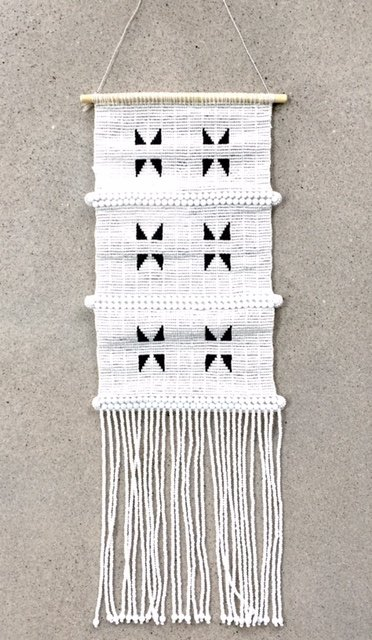 TRIANGLE WALLHANGING MEDIUM
