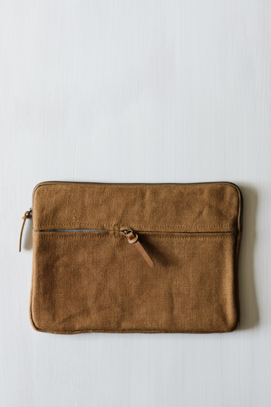 THE DHARMA DOOR laptop/ipad bag
