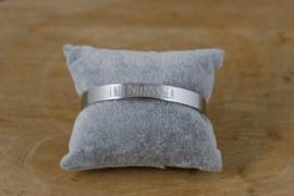 Quote armband 'I need vitamin sea' zilver