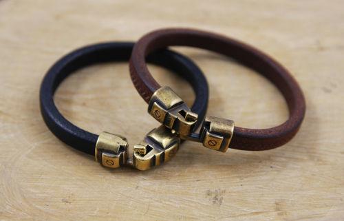 Hooked - stoere leren armbanden