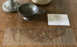 Stencils French Lily