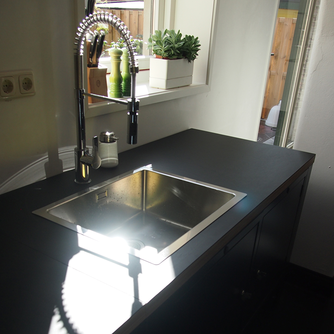 the big easy moderne keuken smeg wasbak kraan