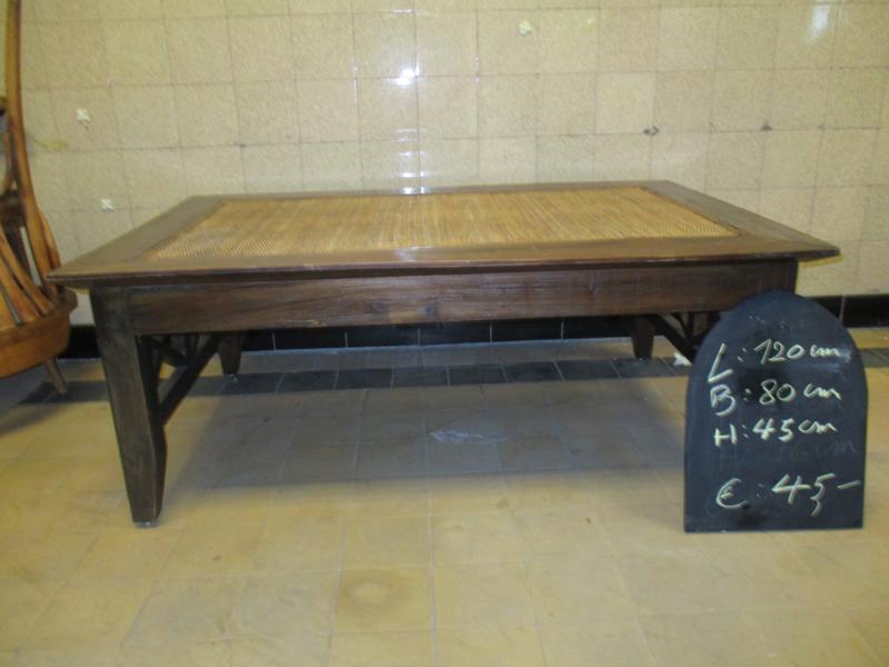 brocante salon tafel