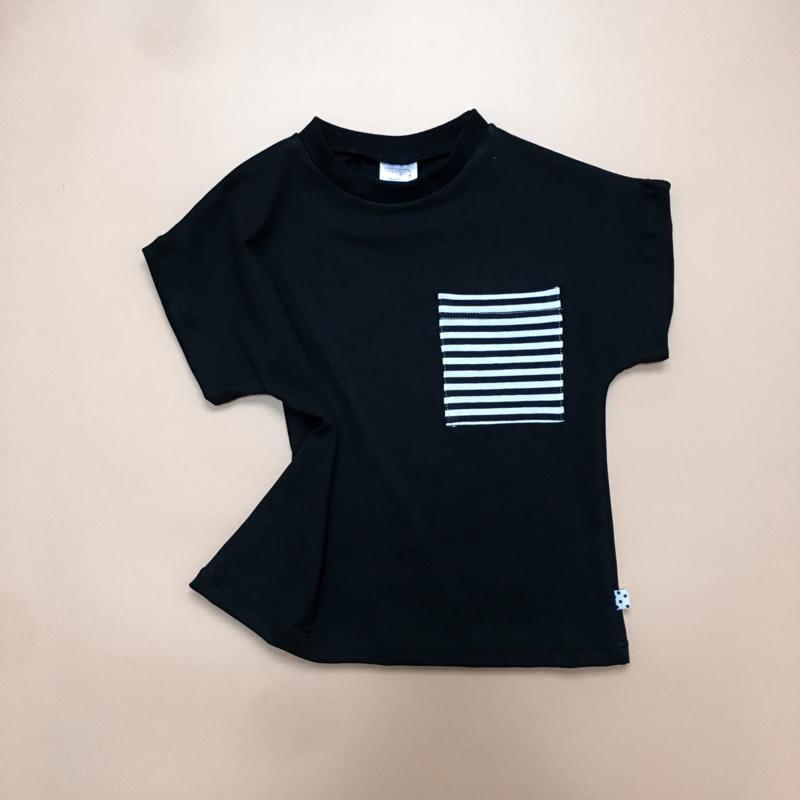 T-shirt Zwart Striped pocket