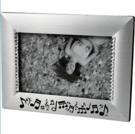 Zilveren fotolijstje met muzieknoten