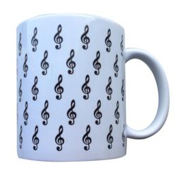 Koffiekopje met kleine vioolsleutels