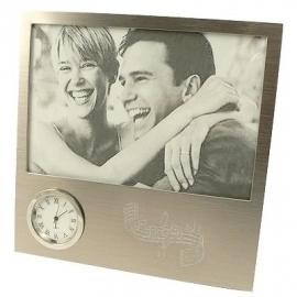 Zilveren fotolijstje met klok