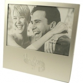 Zilveren fotolijstje met notenbalk