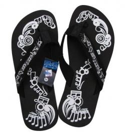 Zwarte slippers met muzieknoten