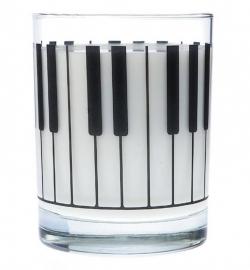 Drinkglas met grote pianotoetsen