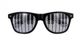 Zwarte zonnebril met pianotoetsen