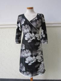 Damesjurk Witte roos op zwart