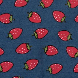 Aardbeien op blauw