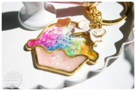 Resin sleutelhanger cupcake rainbow