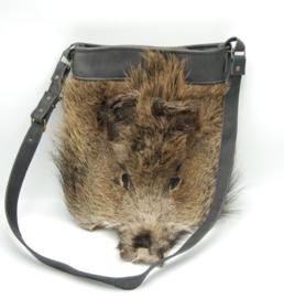Stoere tas met wild zwijn kop