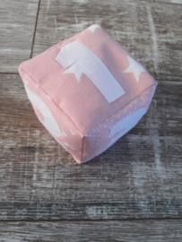 dobbelsteen roze nieuw