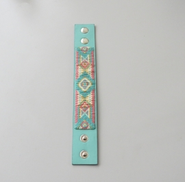 Zomerse armband op imitatieleren band