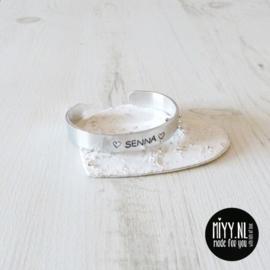 Tekstarmband meisjes aluminium 'naam' 11mm