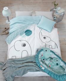 Babynestje Happy Dots blauw 73 cm -  van Done by Deer