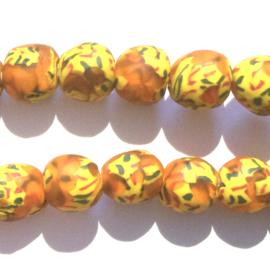 Glaskraal, rond, oranje/geel/groen/rood, doorsnede 0,9 cm. per set van 3