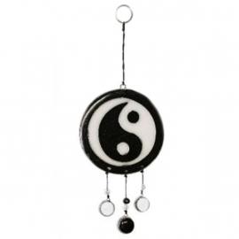 Yin & Yan, raamhanger