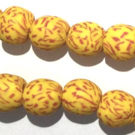 Glaskraal, rond, geel/rood, doorsnede 0,9 cm. per set van 3