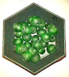 Groene glaskralen, maat 7a =  1,6 x 1,9 cm. per stuk