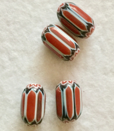 Glaskralen, chevron, langwerpig, rood, per 4 stuks