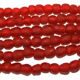 Glaskralen, rood, maat 2A = 0,75 x 0,75 cm.