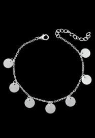 Armband/enkelbandje met platte ronde bedeltjes, verzilverd