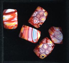 Glaskralen, millefiori, rood, gestreept/bloemen, 3 stuks