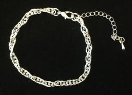 Armband of enkelbandje zonder bedeltje. verzilverd.