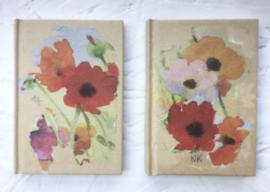 Set van 2 boekjes met klaprozen. 10,5 x 7 cm.