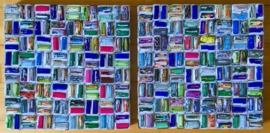 Wandobject, recycled papier, blokjes, rood/roze accenten, 40x40 cm.