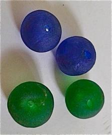 Glaskralen groen, maat 9 = ca 2,3 x 3 cm. per stuk
