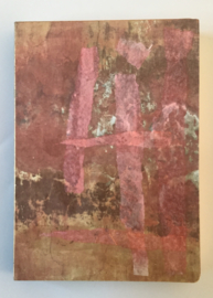 Handgemaakt boek, omslag: collage o.a. roze zijdevloe papier