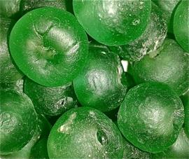 Groene glaskralen, maat 6 = 1,5 x 1,8 cm. per stuk