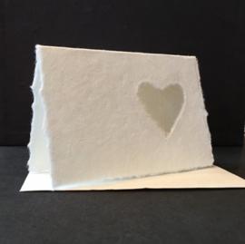 Kaart dubbel, met open hart, handgeschept papier