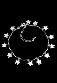 Armband of enkelbandje met 13 platte kleine vlinders. verzilverd.
