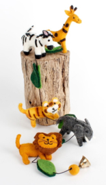 slinger met 5 wilde dieren