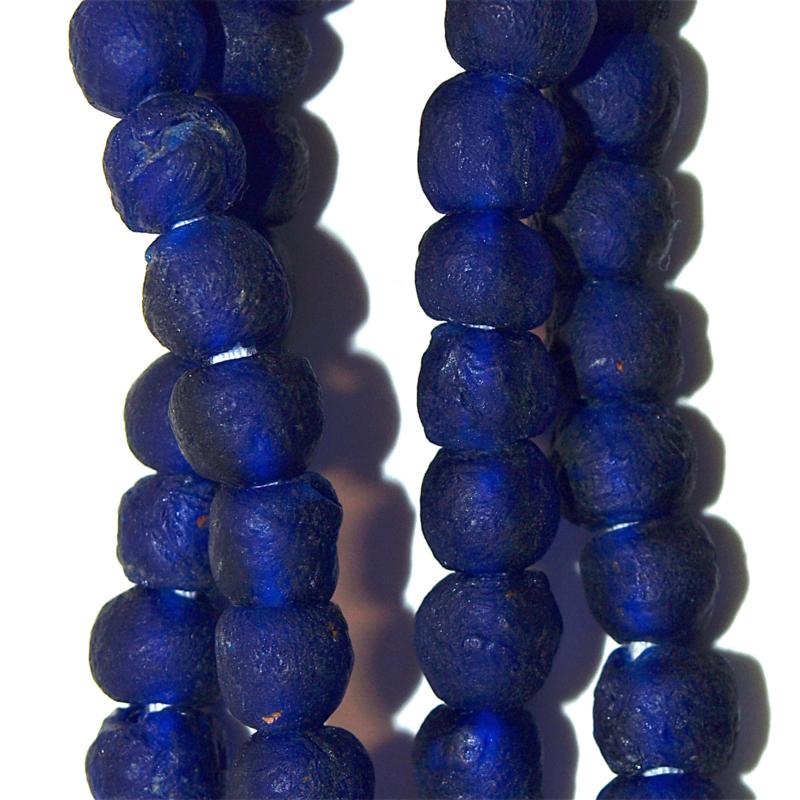 Donkerblauwe glaskralen, maat 2