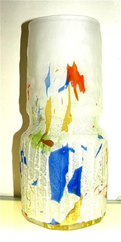 Hoge witte vaas, multicolor