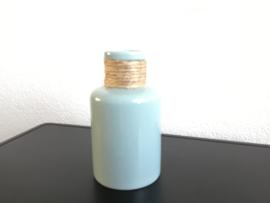 Blauwe fles aardewerk