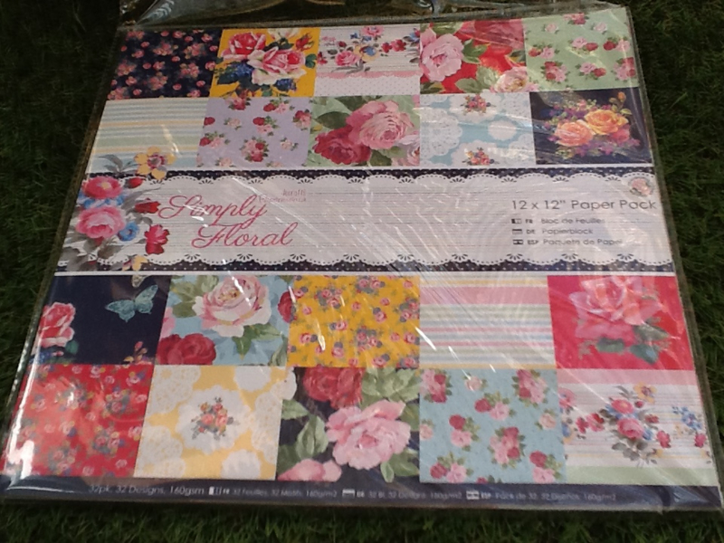 Simply floral paper pack, 12x12, 32 vellen